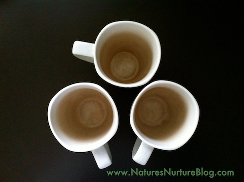 how to clean coffee and tea stains from mugs
